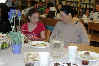 Fourth Grade Seder, Sunday, March 30 Students, parents and grandparents enjoyed this festive pre-Pesach event.